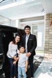 Junte a la familia del negocio con su niño imagen de archivo