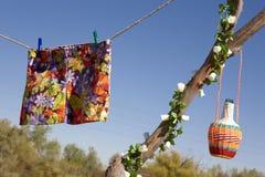 Jupe hippie avec le ciel bleu Photo stock