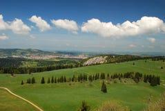 Jura und La-Chaux-De-Fonds, die von gesehen wurden, Tete-De-Ließen laufen Lizenzfreie Stockfotos