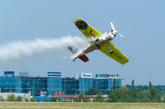 Jurgis Kairys Acrobatics Photographie stock