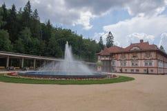 JurkoviÄ- Âs Haus, Badekurortkolonnade und Brunnen stockfotos