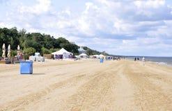 Jurmala, 23 augustus Overzees de 2014-Oostzee Strand van Jurmala in Letland Royalty-vrije Stock Afbeelding