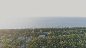 Jurmala morza i lasu trutnia lot Latvia, antena, truteń denny, plenerowy, parkowy, drogowy, natura zbiory wideo