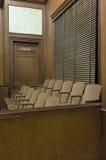 Jurys asseyant devant le tribunal Photos stock
