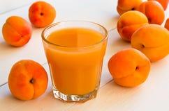 Jus d'abricot Photographie stock libre de droits