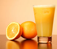 Jus d'orange frais Photos stock