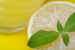 Jus de citron Photos stock