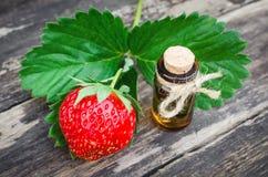 Jus de concentré de fraise photo stock