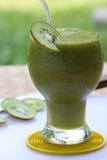 Jus de fruit de kiwi smoothy Images libres de droits
