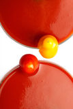 Jus de tomates avec la tomate jaune et rouge de cocktail Image stock