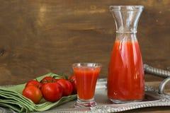 Jus de tomates frais Images libres de droits