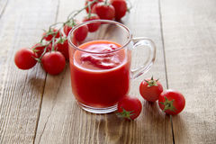 Jus de tomates frais Photo stock