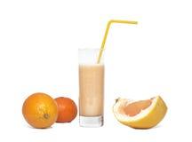 jus en verre de fruit frais d'environnement Images stock