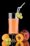 Jus et fruits frais - organiques, expert en logiciel de boissons de santé Photos libres de droits