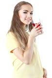 Jus haut étroit de boissons de portrait de jeune femme SM heureux modèle femelle Image stock