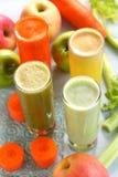 Jus mélangé de fruits et légumes Images stock