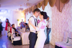 Just married couple dancing Royalty Free Stock Photography