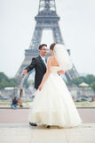 Just married couple in Paris Royalty Free Stock Photography