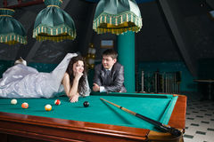 Just married young couple Royalty Free Stock Images