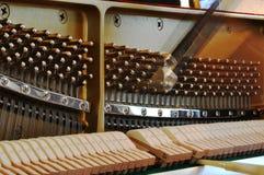 Justage des Klaviers Stockbild