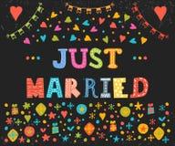 Juste marié Carte de voeux mignonne avec les éléments décoratifs Photo libre de droits