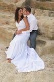 Juste marié - mariée et marié de sourire Images libres de droits