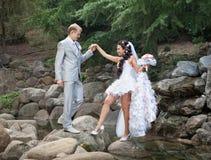 Juste marié en jour de eux le mariage Photos stock