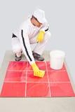 Juste nettoyage scellé au ciment de tilles Images libres de droits