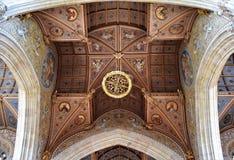 Juste plafond de cathédrale Images stock