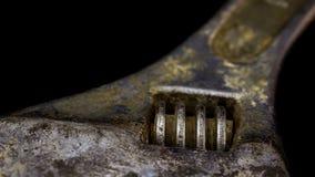 justerbar isolerad skruvnyckel för bakgrund close upp white Royaltyfri Fotografi