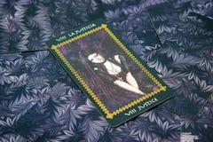 Justiça do cartão de Tarot Plataforma do tarô de Favole Fundo esotérico Fotografia de Stock