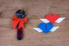 Justierbarer Schlüssel mit Herzen Lizenzfreie Stockfotos