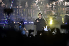 Justin Bieber - multidão entusiástica, fase do concerto da música, dançarinos Fotos de Stock