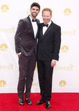 Justin Mikita und Jesse Tyler Ferguson lizenzfreies stockfoto