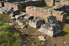 Justiniana Prima, Roman Byzantine stad, prydnader på pelarna arkivfoto