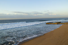 Jutrzenkowe Plażowe basenu oceanu fala Zdjęcia Royalty Free