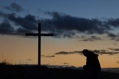 Jutrzenkowy mężczyzna krzyż fotografia royalty free