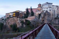 Jutrzenkowy widok Cuenca od Saint Paul mosta Obrazy Stock