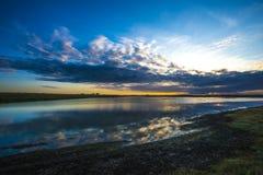 Jutrzenkowy widok przyrody i ptaka rezerwa przy żyta schronieniem, Wschodni Sussex, Anglia Zdjęcia Stock