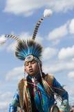 Juventud del nativo americano en el Powwow Imágenes de archivo libres de regalías