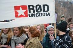 Juventud roja (Rød Ungdom) que celebra el día de las mujeres internacionales Foto de archivo libre de regalías