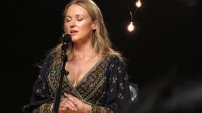 Juwel führte einige ihrer größten Schläge für iHeartRadio Live In New York durch Stockbilder