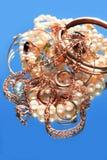 Juwelen op Blauw Royalty-vrije Stock Afbeeldingen
