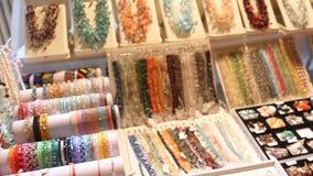 Juwelen van halfedelstenen stock videobeelden