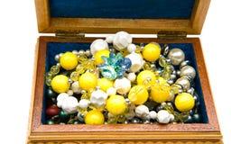 Juwelkasten getrennt auf Weiß Stockbild