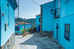 Juzcar das Smurf-Dorf stockbild