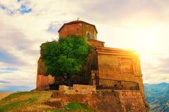Jvariklooster dichtbij Mtskheta-stad Stock Afbeelding