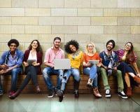 Jóvenes Team Together Cheerful Concept de los adolescentes Foto de archivo libre de regalías