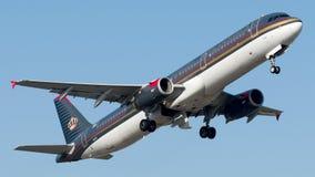 JY-AYV Royal Jordanian, Airbus A321-200 Imágenes de archivo libres de regalías