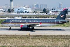 JY-AYX Royal Jordanian Airlines, аэробус A320-232 стоковая фотография